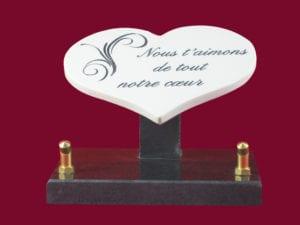 coeur n° 141 céramique - Dimension 15x11 céramique blanche, 1 cm épaisseur, sur socle granit Tous décors et textes au choix